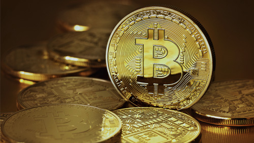 Buoyant bitcoin trading in Japan lures currency traders