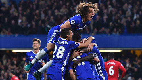 EPL Week 30 Review: Chelsea slip up provides hope for pursuing pack