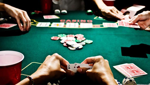 India's Mumbai opens first 'licensed' poker club
