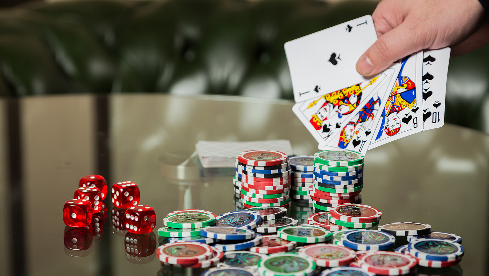 Calling the Clock: Record breaking WSOP; Poker Masters; Loeser wins