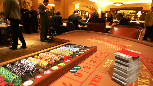 Bernstein: 'Structural headwinds' to slow Macau VIP gaming sector in 2018