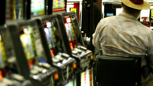 Tasmanians now ditching pokies for online gambling: report