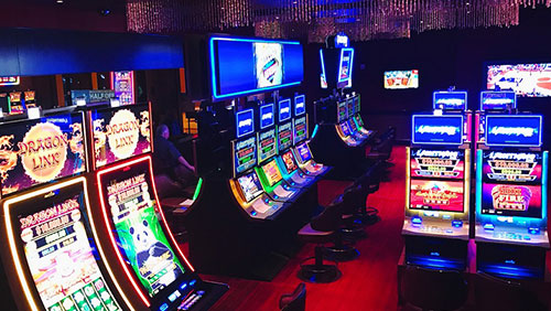 Nevada's First Lightning Link™ Lounge™ Opens Today at Silverton Casino Hotel
