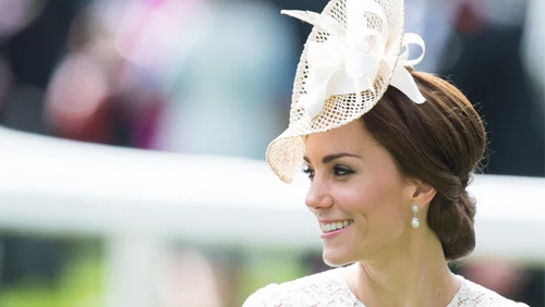 Royal Wedding 2018 Prop Bets Will The Queen Kate Middleton Wear Same Hat Color