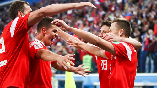 World Cup Round-Up: Russia and Uruguay advance from Group A