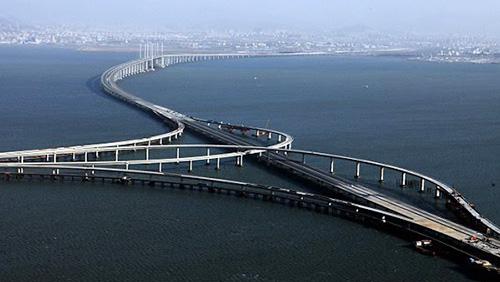 Hong Kong-Macau bridge to open next Tuesday