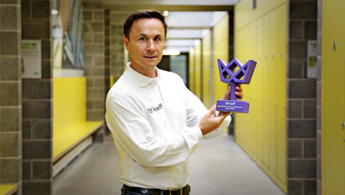 Dennis Wise launches the inaugural 'Sportsperson with a Personality Award' – sponsored by kwiff