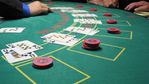 Online Blackjack Dealer Caught Cheating