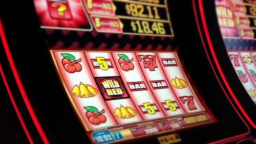 Thailand busts illegal slot machine warehouse