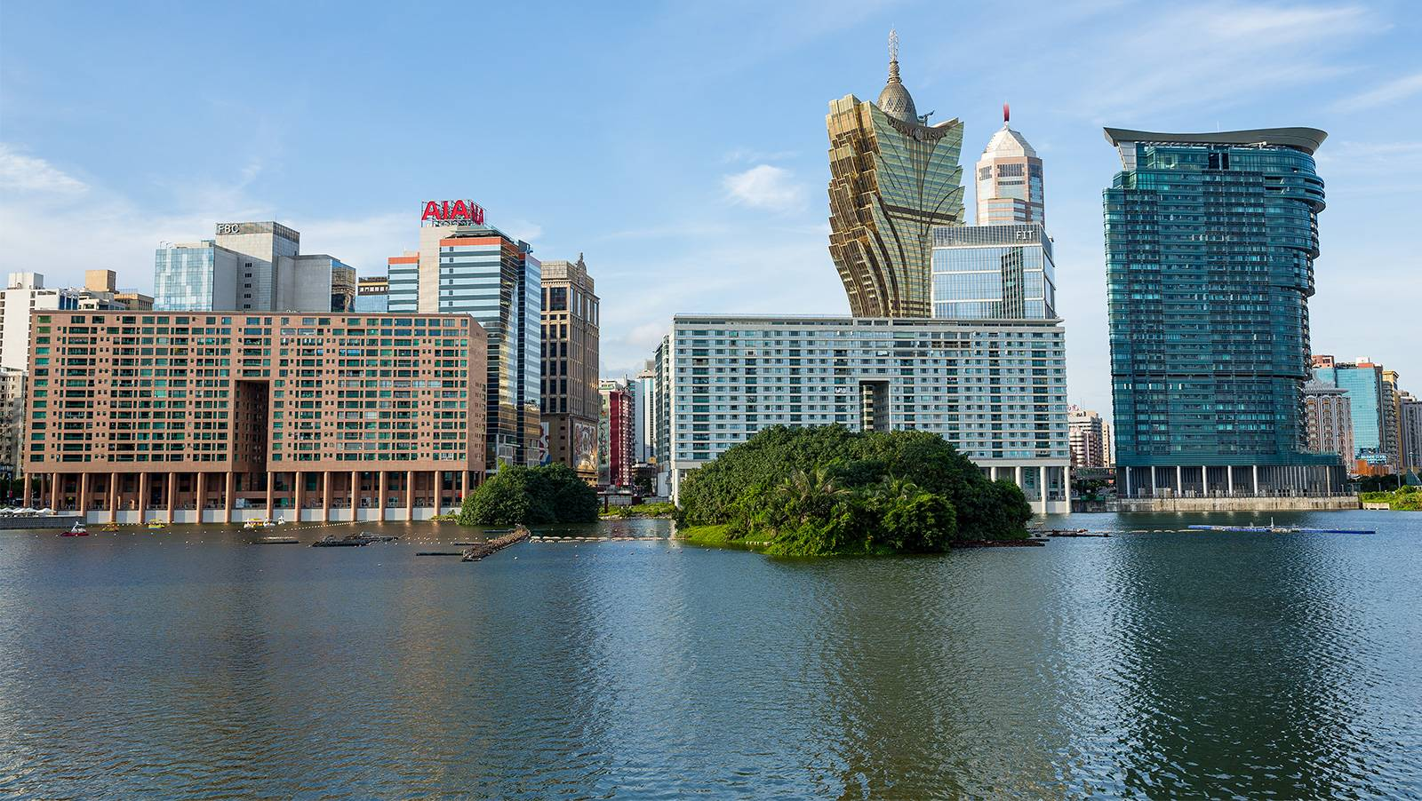 Time is running out on long Macau trade