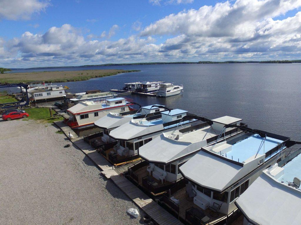 adventures-io-launches-affiliate-mastermind-houseboating-retreat5