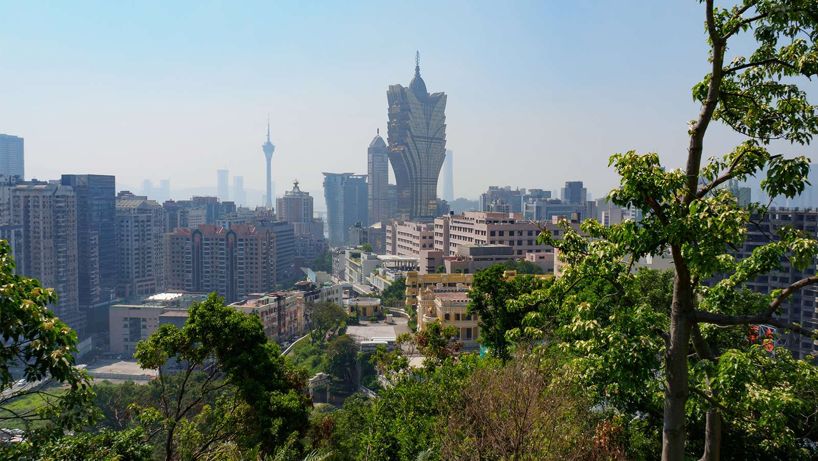 Macau casino labor group pushing for a summer bonus