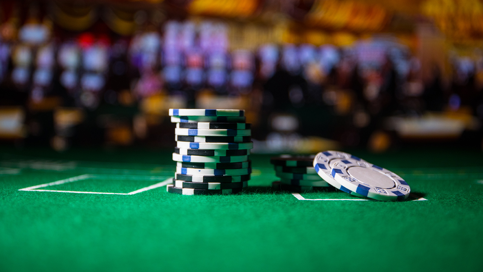 wsop-review-ensan-commands-main-event-final-table-gates-sammartino-involved