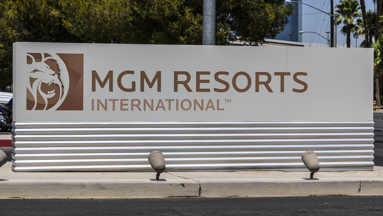 MGM diversifies as it purchases into boutique hotel chain