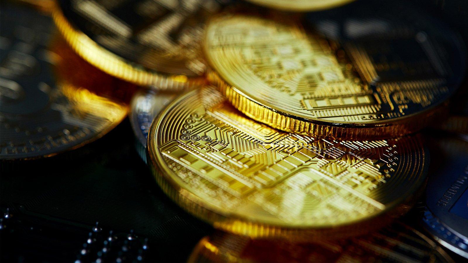 On cryptocurrencies, gold quantum financial mechanics and fiat black holes
