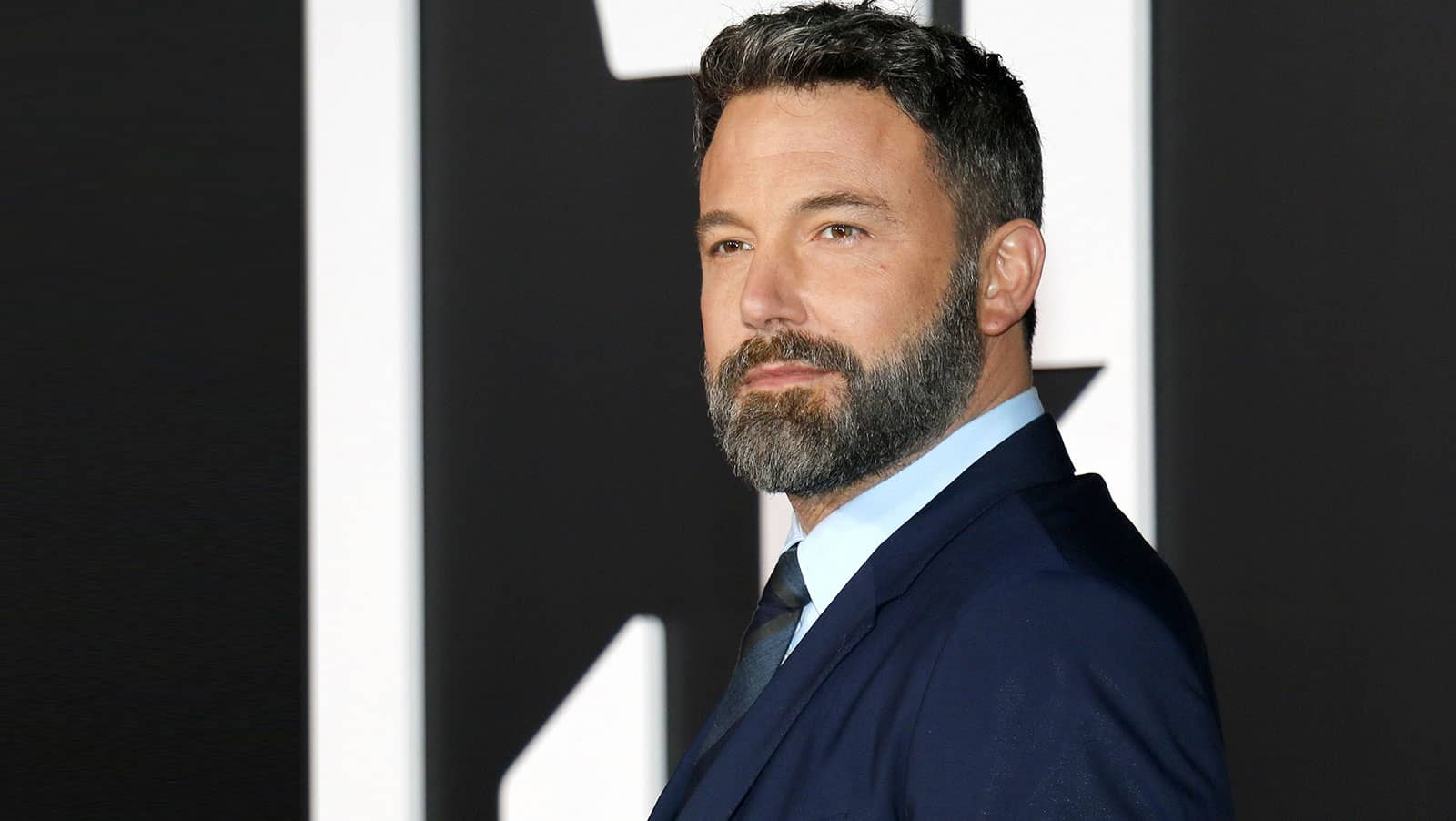 ben-affleck-and-poker-is-it-true-love-or-just-another-jersey-girl-min