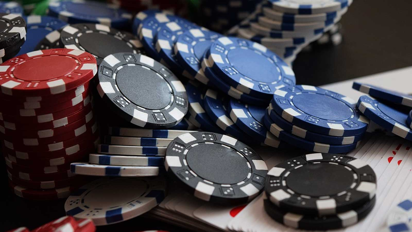 Delhi police bust illegal casino, arrests 58