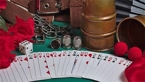 poker-on-screen-frasier-makes-a-bad-read_body-min