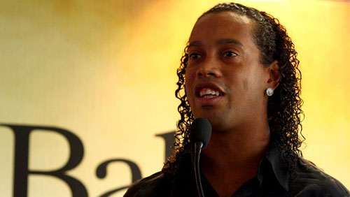 ronaldinho-conducts-first-interview-after-release-from-paraguay-prison