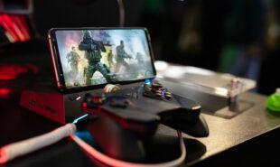 free-play-social-media-games