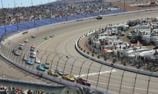 harvick-favored-for-wednesday-night-nascar-race
