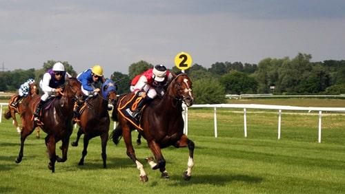 "horserace-gambling-go-online-in-maine ""width ="" 500 ""peak ="" 282 ""srcset ="" https://calvinayre.com/wp-content/uploads/2020/05/horserace-gambling-goes-online -in-maine.jpg 500w, https://calvinayre.com/wp-content/uploads/2020/05/horserace-gambling-goes-online-in-maine-300x169.jpg 300w, https://calvinayre.com /wp-content/uploads/2020/05/horserace-gambling-goes-online-in-maine-330x185.jpg 330w ""ukuran ="" (lebar maks: 500px) 100vw, 500px ""/></noscript><img class="