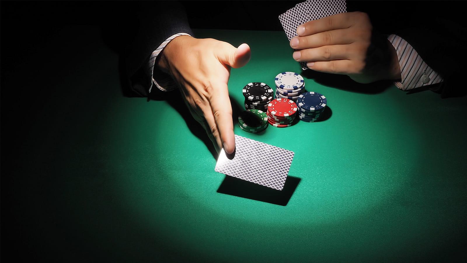 pokerstars-panggilan-untuk-aksi-sebagai-schwimmer-azaria-selebritas-lainnya-bermain-untuk-amal-min