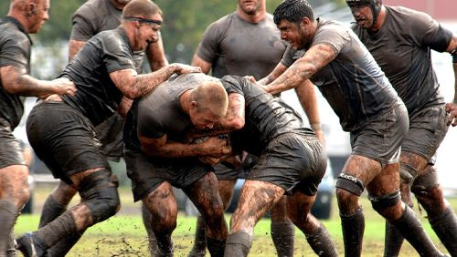 All-Blacks-take-on-Kangaroos-in-cross-code-clash