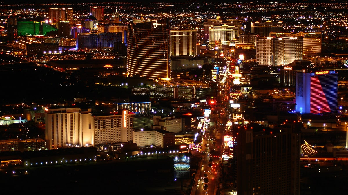 circa-resort-casino-to-open-in-vegas-sooner-than-expected