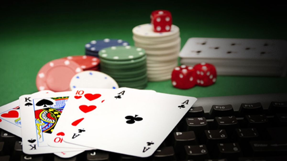 Ivonne-Montealegre-discusses-how-live-poker-is-embracing-the-online-space-ft