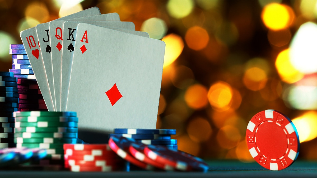 QQ POKER And Advantages Of Playing Online Poker - Foot Extravaganza