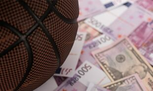 Jazz-Clippers-both-favorites-on-Tuesday-NBA-odds