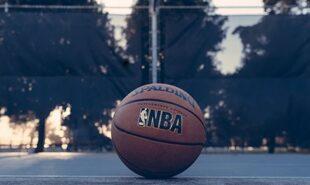 Lakers-favorites-for-Thursday-Game-4-vs-Rockets
