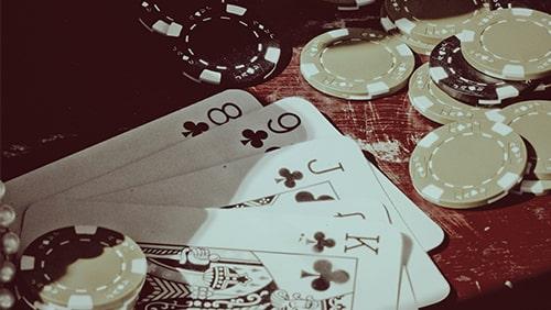 Poker-on0Screen-The-Cincinnati Kid- (1965) -min
