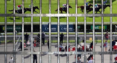 british-racing-bans-spectators-again