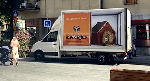 leovegas-sweden-online-casino-gambling-advertising-stockholm-trucks