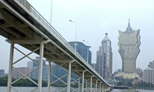macau-ggr-disappointing-despite-207-visitor-increase