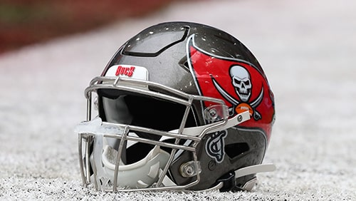 Tampa-Bay-Buccaneers-show-Green-Bay-Packers-the-way-to-attack