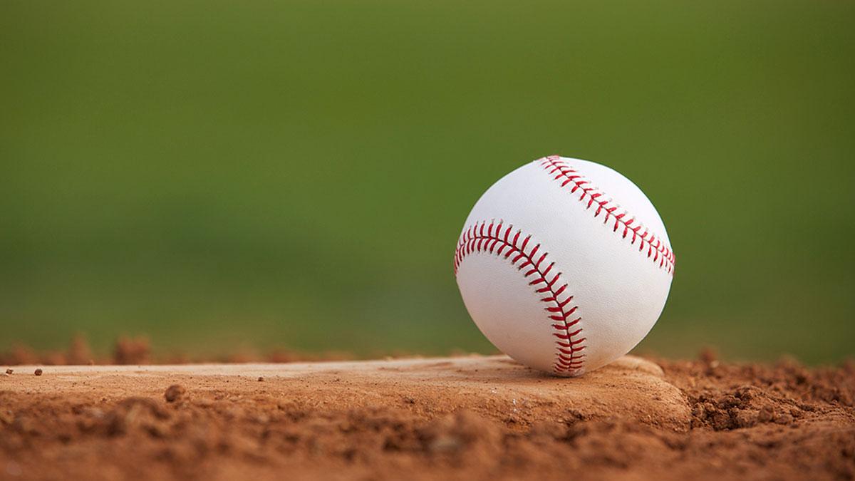 Brandon Lowe hits two home runs, Rays even World Series