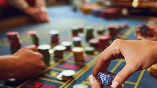 80-of-surveyed-casino-workers-in-macau-concerned-about-job-security