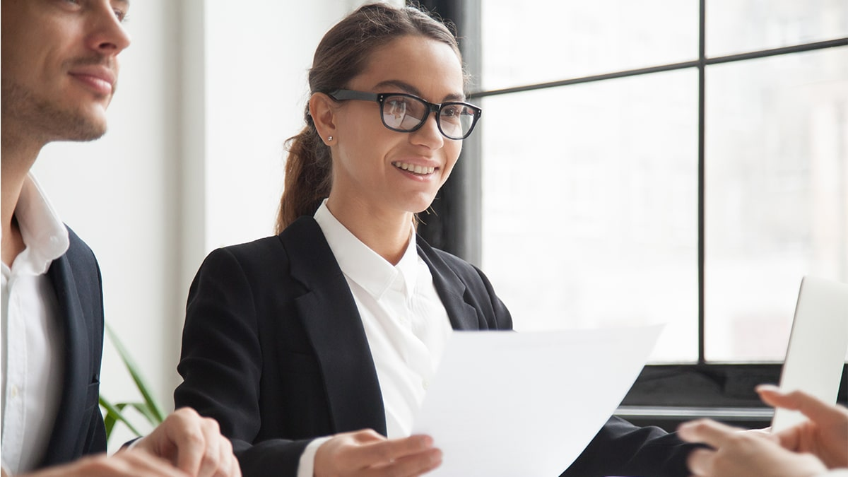2 employees giving/hearing feedback