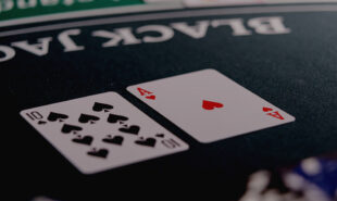 wsop-main-event-day-1-sees-71-survive-and-de-silva-thrive1