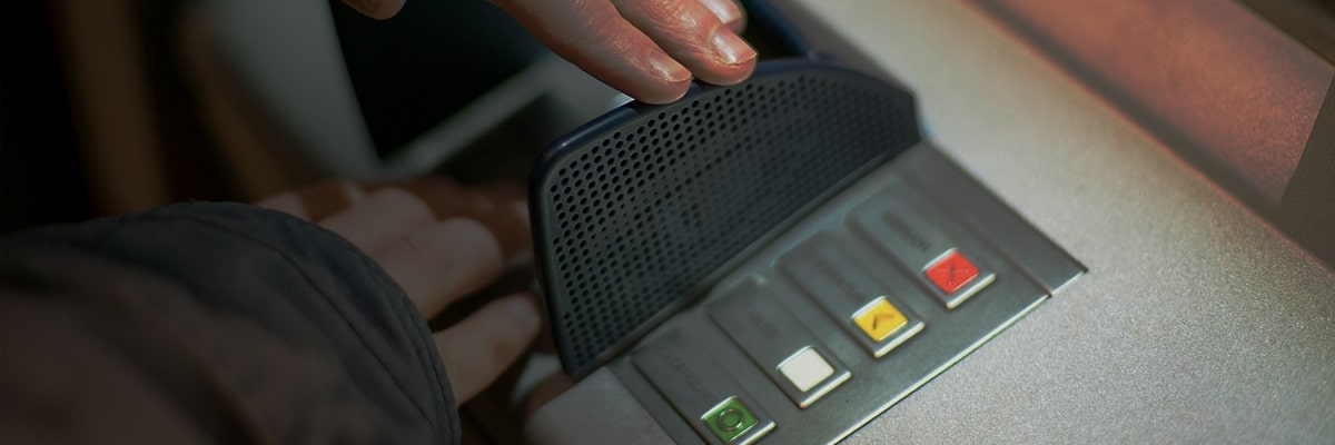 china-expands-use-of-facial-recognition-atms-to-combat-gambling-crime_feature-min