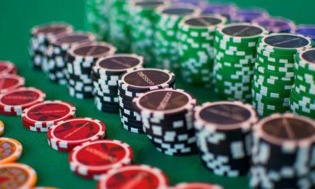 Poker chips aligned