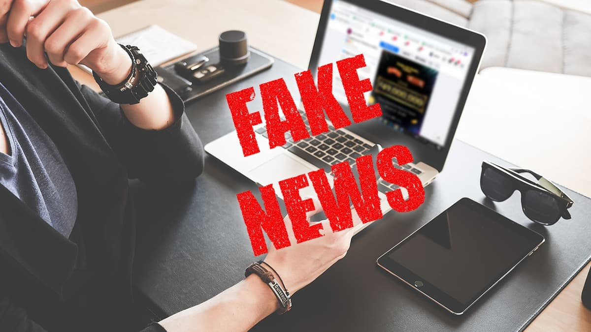 Fake News, Hoax, Press, laptop, Reading