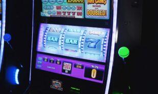 Slot machine, online gambling, online casino